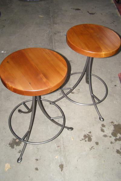 Strata   Breakfast Bar Stools Rimu